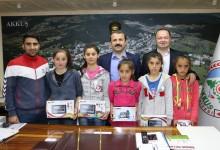 Başkan Demirci, Başarılı Sporcuları Ödüllendirdi