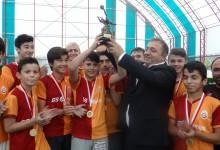 Şampiyon Galatasaraylılar Kupasını Aldı