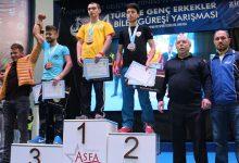 Ünçek Türkiye Genç Erkekler Bilek Güreşi Yarışması'ndan Başarıyla Döndü