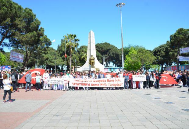Çamlık'tan Meydana Gençlik Yürüyüşü