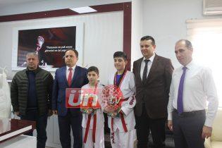 Müdür Tokgöz'den Başarılı Sporculara Ödül