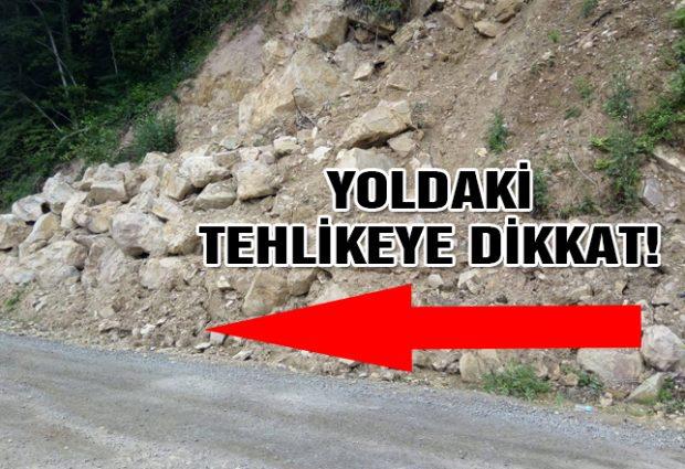 Vatandaşlar Yoldaki Tehlikeye Dikkat Çekti!