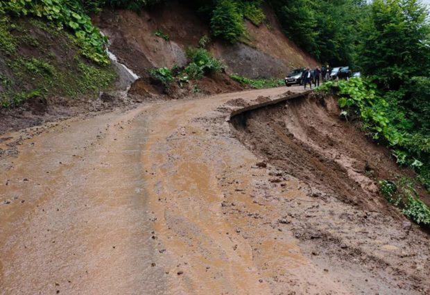 Akkuş'ta Şiddetli Yağmur Etkili Oldu