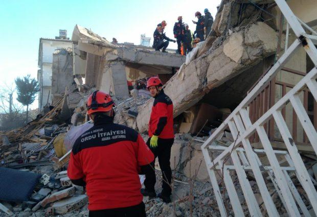 Ordulu İtfaiyeciler Elazığ'da Çalışmalarını Sürdürüyor